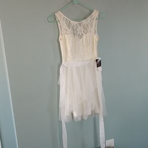 NWT prom/bridal Ivory sz.5/Lovely lace/tulle dress